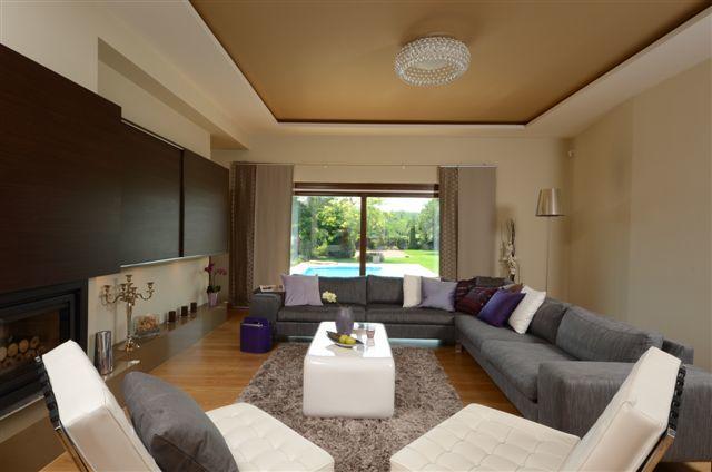 Egyedi nappali bútor rejtett tv és LED világítással