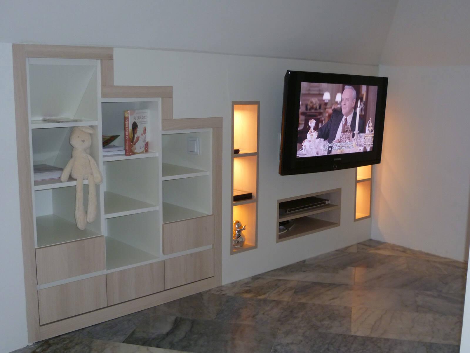 Egyedi szobabútor készítés beépítve tetőtérbe