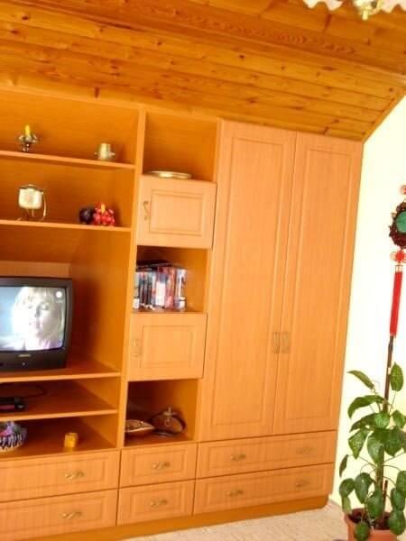 Egyedi szobabútor készítés cseresznye színben