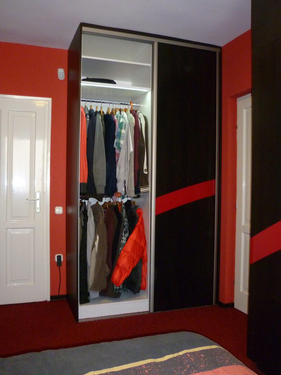 Egyedi szobabútor készítés tolóajtós kivitelben