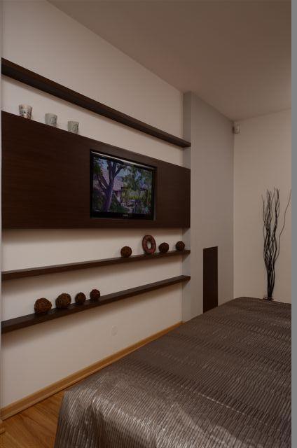Egyedi szobabútor készítés tv burkolat lebegőpolcokkal