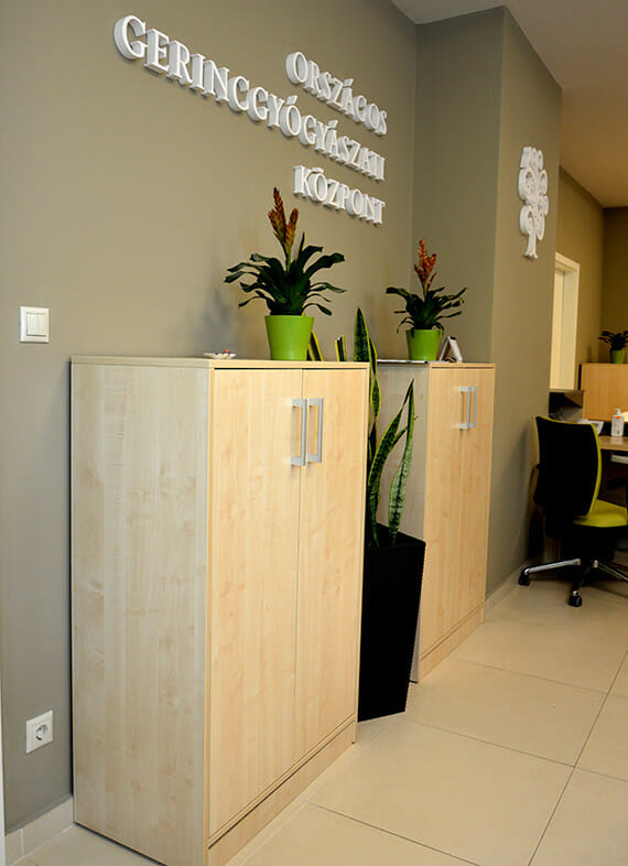 egyedi-irodai-irattarolo-szekreny