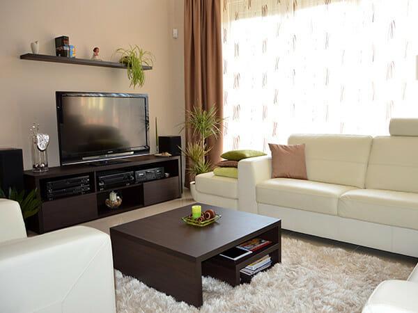 modern-nappali-szekreny-lebegopolcokkal