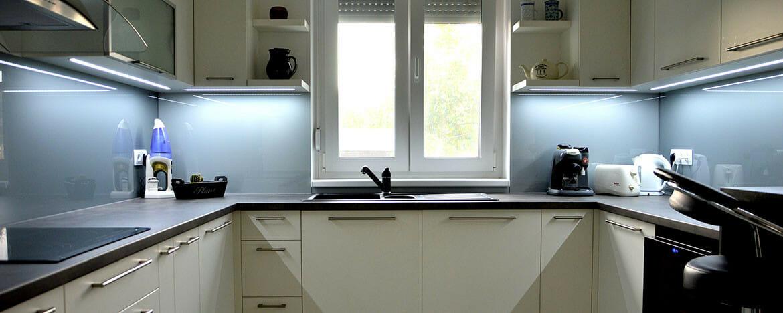 modern-konyhabutor-led-vilagitassal