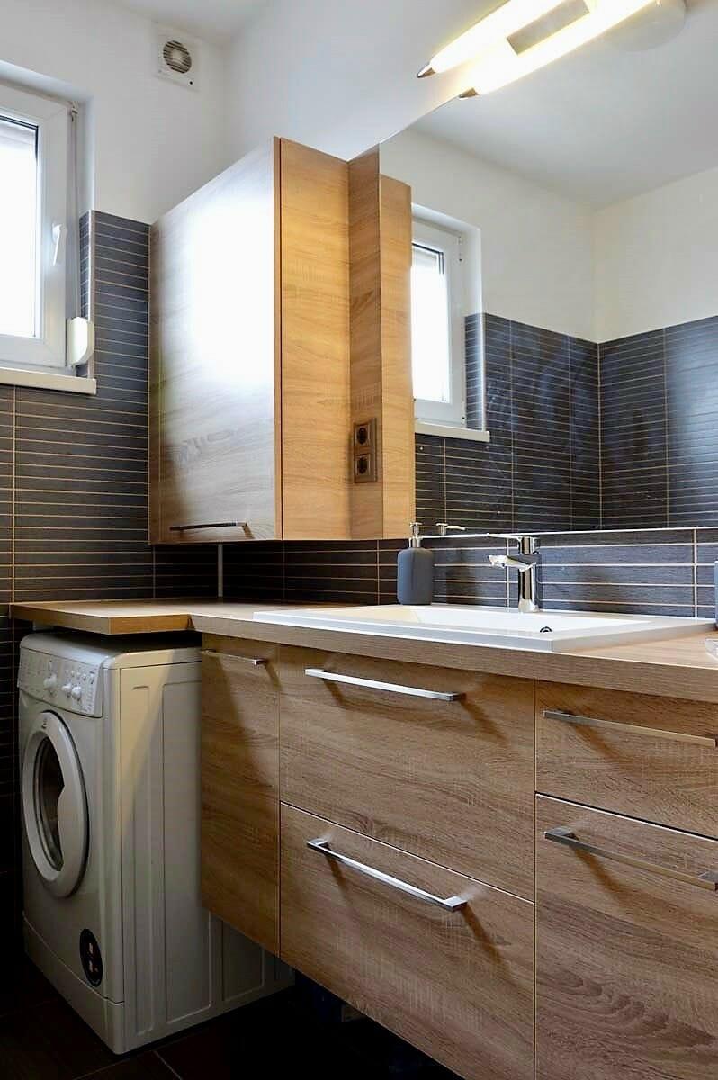 Egyedi-fürdőszoba-bútor-készítés-lebegő-pulttal-tükörrel