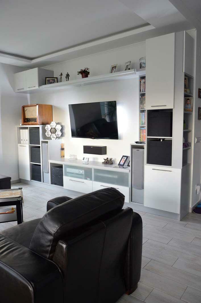 Egyedi nappali bútor készítés nyitott polcokkal, tv tartó konzollal, üveg előlapos fiókokkal